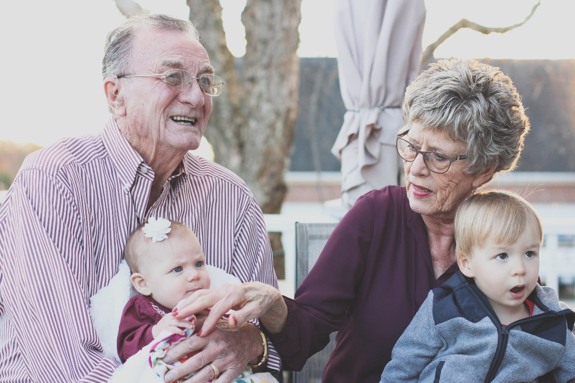 Alzheimer's Care: Living with Alzheimer's